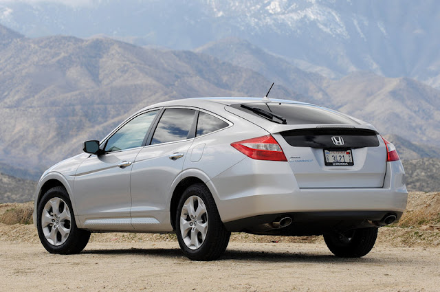 2011 honda accord crosstour rear side view 2011 Honda Accord Crosstour