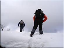 Discreta cornisa de nieve