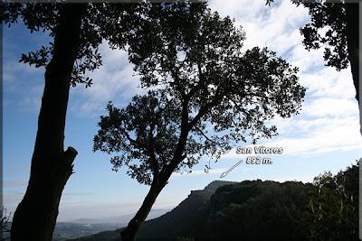 San Vítores desde la cresta occidental