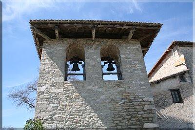 Espadaña de la iglesia parroquial de Subilana