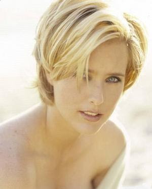 Beautiful Tea Leoni Tower Heist