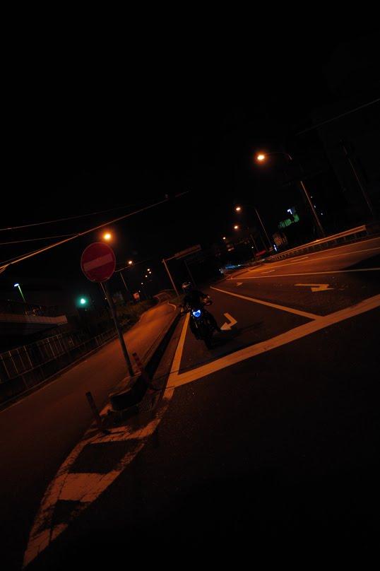 [深夜のハイパーモタード1100SDSC_0164.jpg]