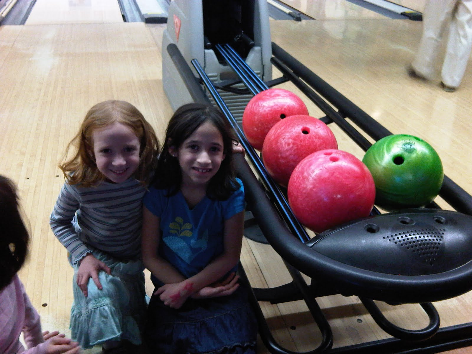 [t+and+l+bowling]