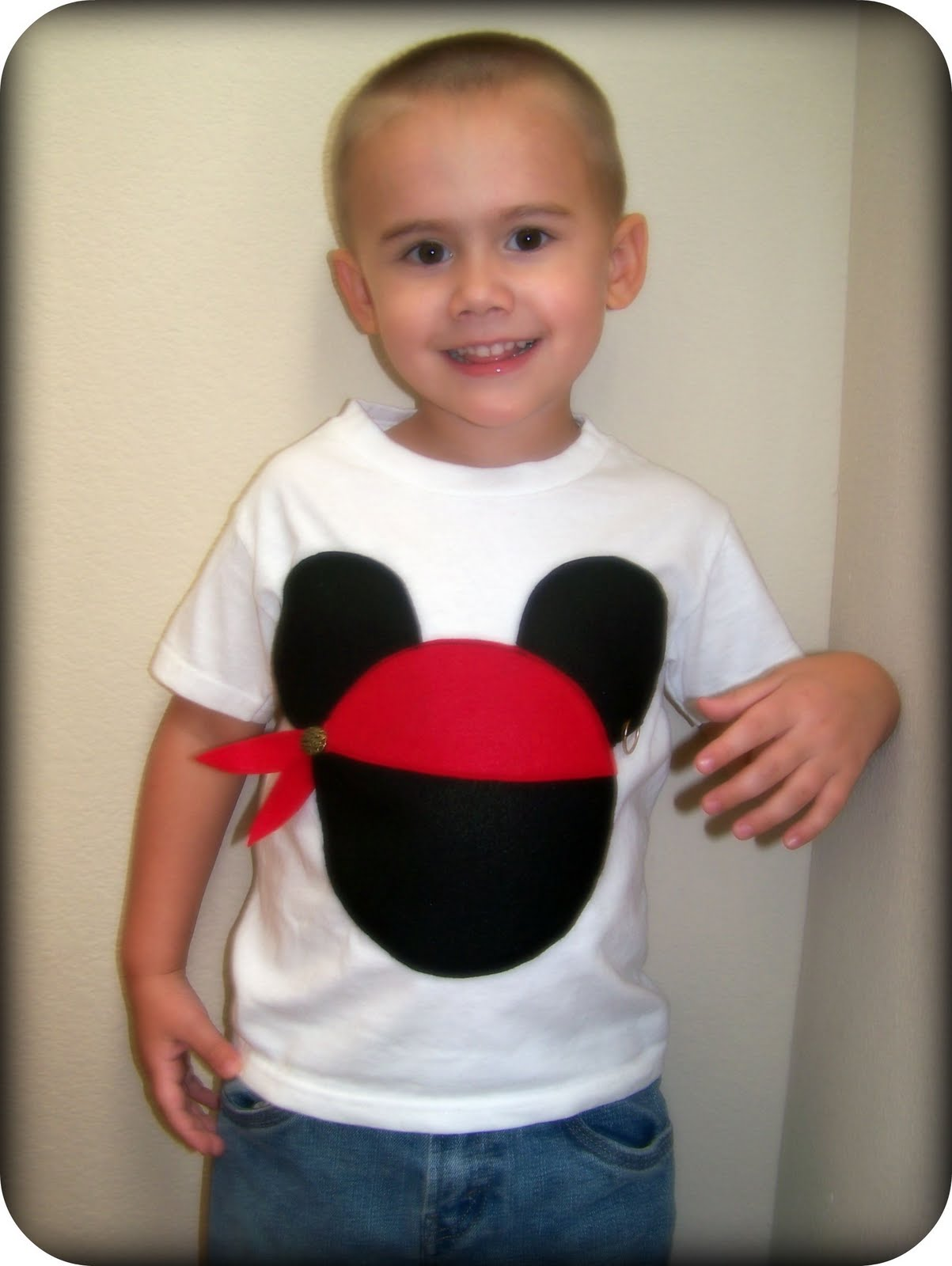 Someday crafts budget friendly disney shirts and mickey for Diy disney shirt template