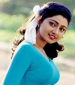 divyaunni-with-blue-top.jpg (260×297)