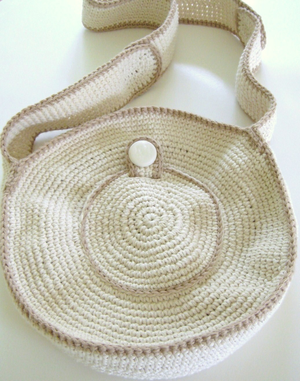 Crochet Circle Bag : ... : Using My Stash of Finished Objects: My Crocheted Vintage Circle Bag
