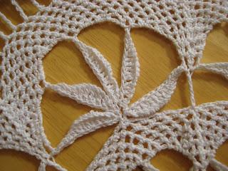 CROCHET PATTERNS LITTLE DOILIES - Crochet Club