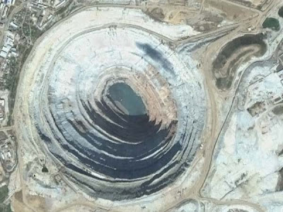 funny google earth pictures. Some strange places in Google