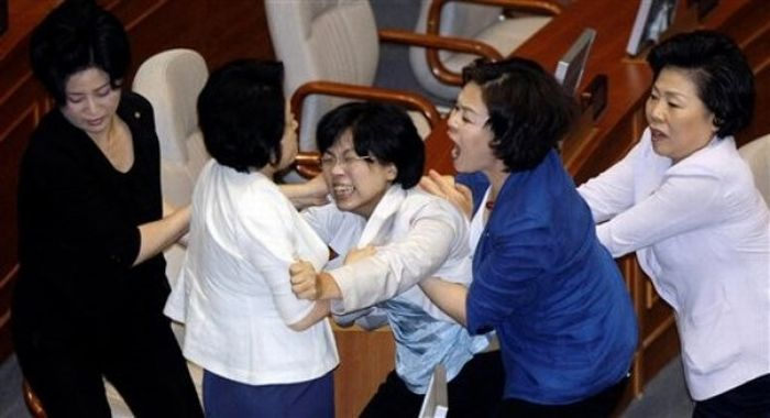 Brawl erupts in South Korea's parliament: 20 Pics+ Video