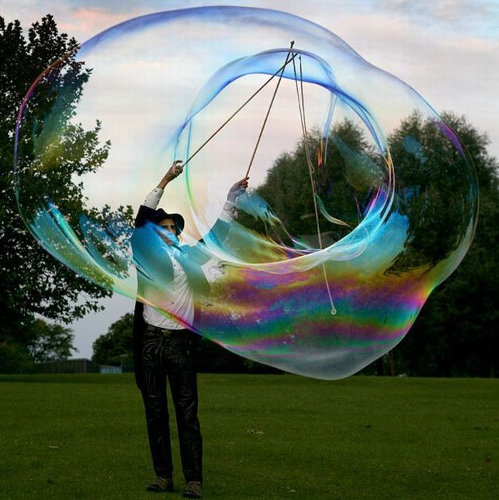 [Giant-soap-bubbles-02.jpg]