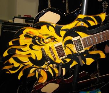 strange guitars.Design Gitar Yang Menarik Dan Unik
