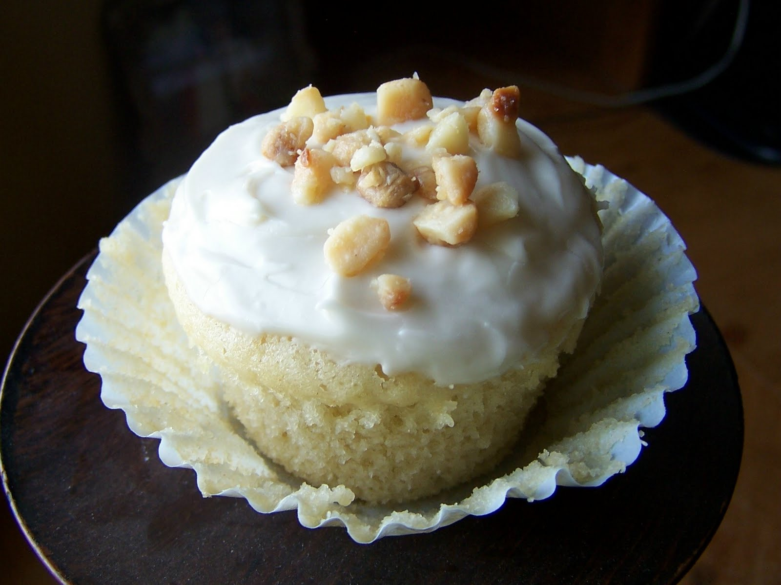 Angela's Apron: Coconut Milk Cupcakes