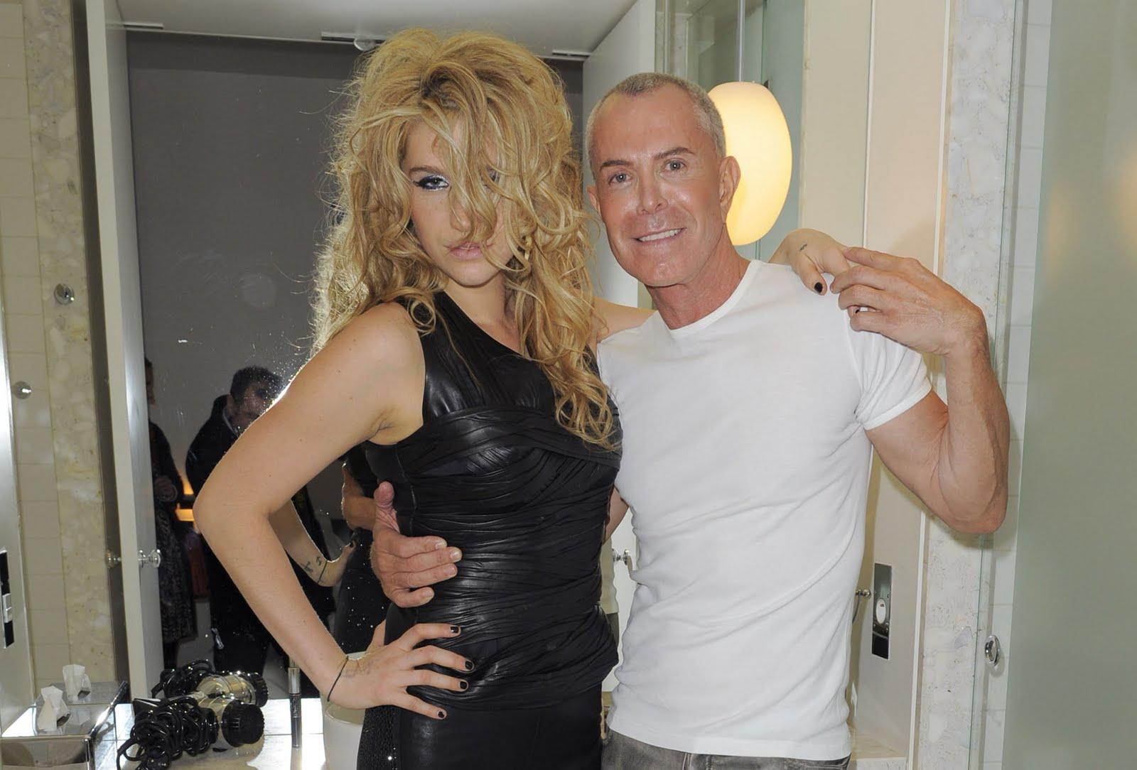 http://2.bp.blogspot.com/_IUzrVt5aNHI/TU0RWJyeGpI/AAAAAAAAEnc/YbC2HcwYxys/s1600/Kesha_Sebert_Personal_Fitting_with_Jean-Claude_Jitrois_in_Paris_January_25_2010_02-743673.jpg