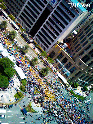 Ayala Ave. cor. Paseo de Roxas - taken with iPhone 3G; post-processed with Adobe LR2