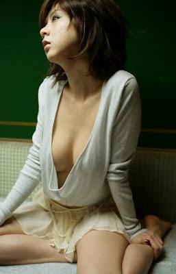 Aki Hoshino_19