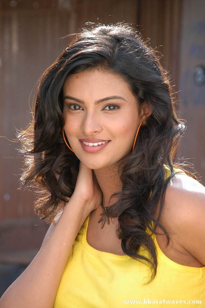Sayali bhagat photos and pictures