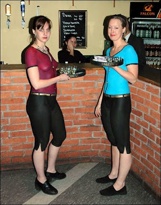 Sexy-Body-Paint-Waitresses-2