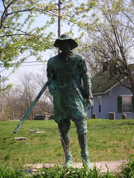 Statue at Pioneer Graveyard memorial