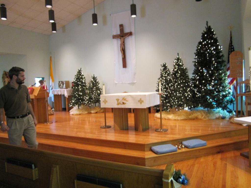 Decorating Ideas > Ruthlynns World Church Christmas Decorating ~ 092800_Christmas Decorations For Church