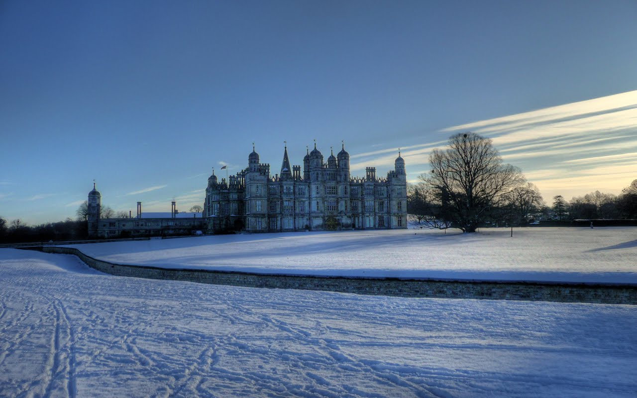 [0151+-+England,+Burghley+House+Snow+HDR.jpg]