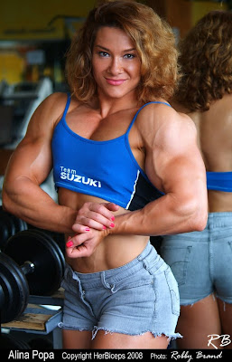 women's muscles and strength world: Popa's big bicep