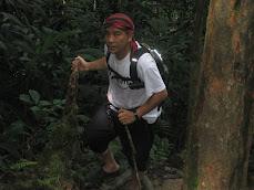 Trekking up GBerembun CH