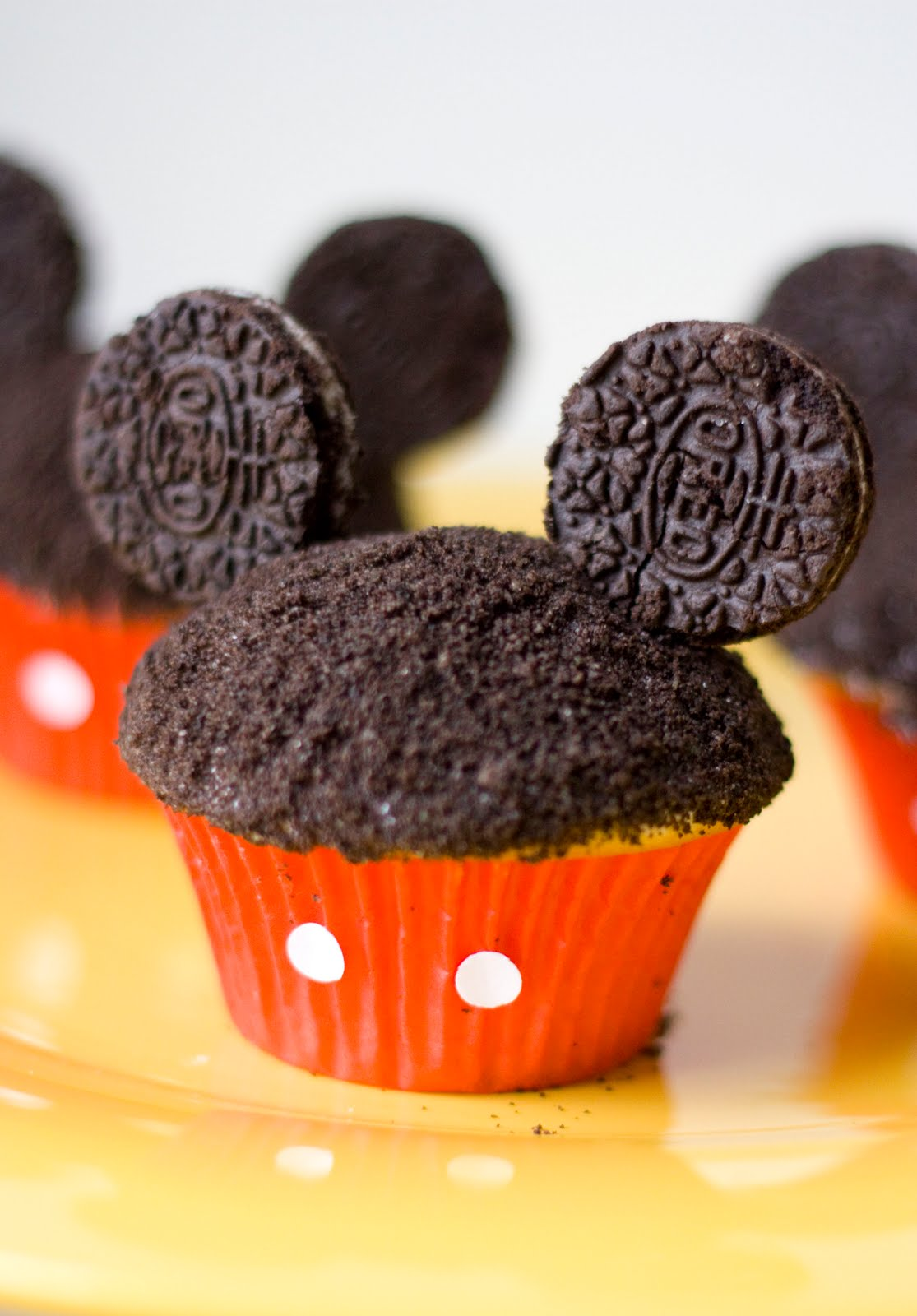 Pictures Of Mickey Mouse Cupcakes : Erica s Sweet Tooth   Mickey Cupcakes