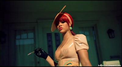 Rihanna-S%2526M-video-clip-Hd-caps-03