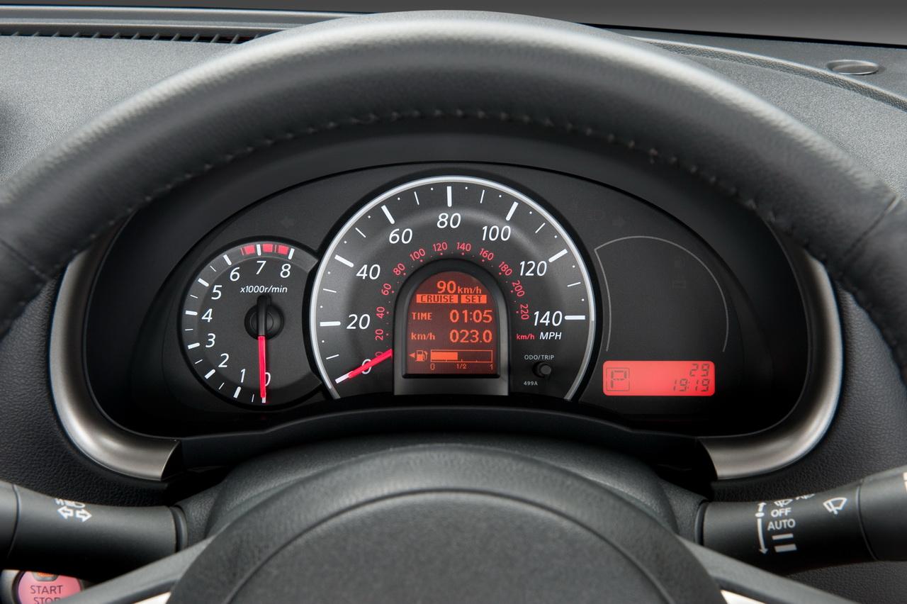 [2010_Nissan-Micra_08.jpg]