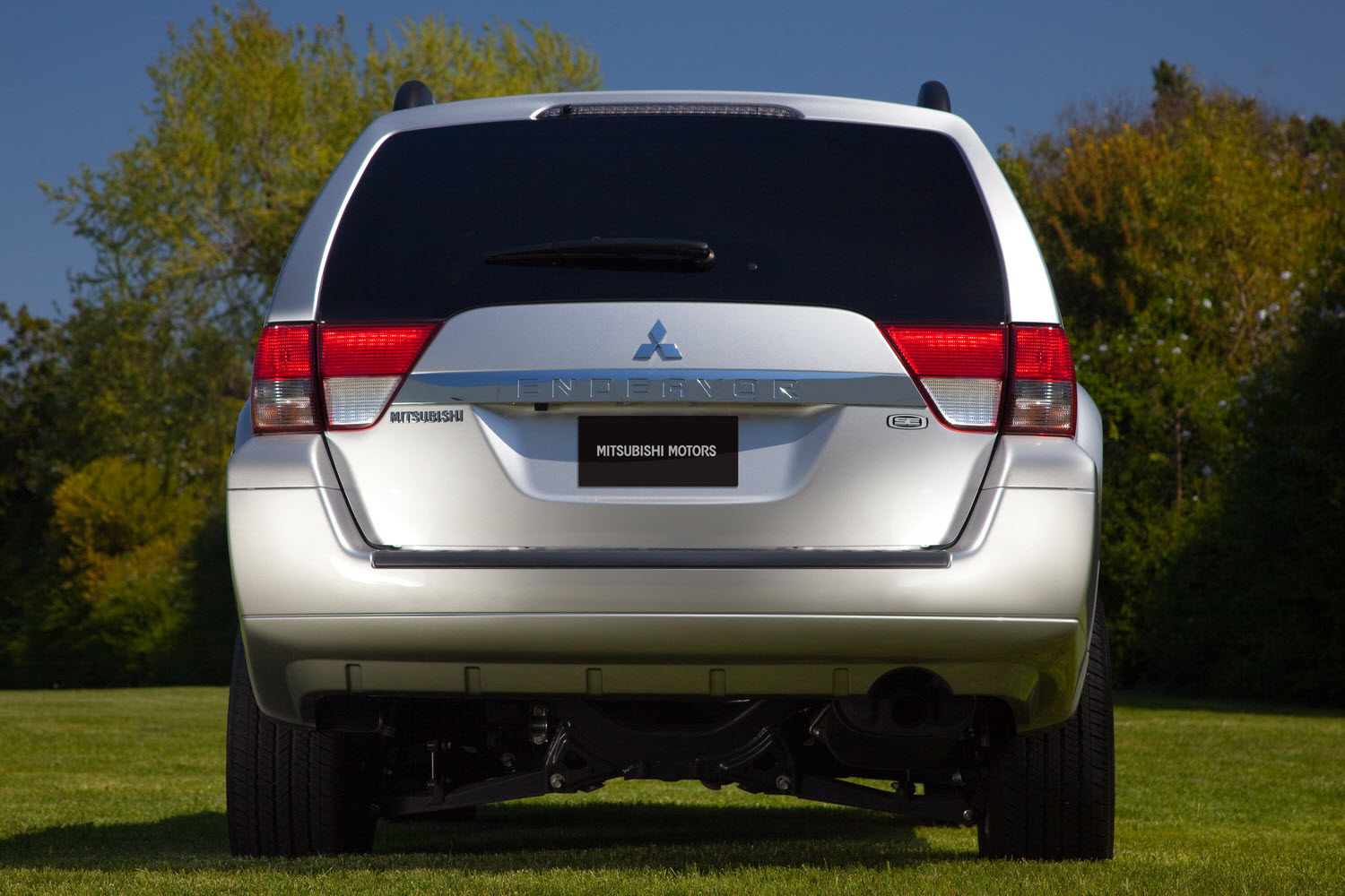 2011 Mitsubishi Endeavor Se Pricing And Details
