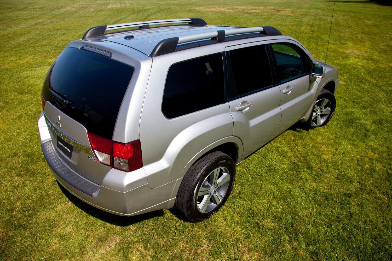 2011 Mitsubishi Endeavor SE Pricing and Details-2.bp.blogspot.com