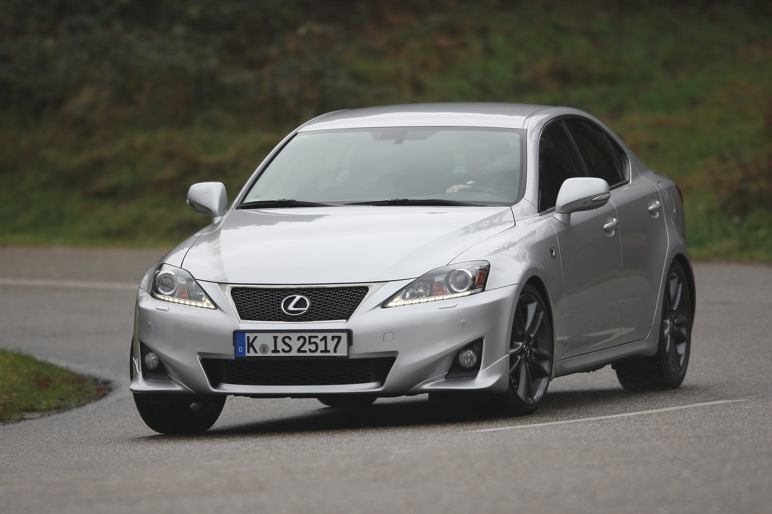 lexus is 220d f sport line auto informatie. Black Bedroom Furniture Sets. Home Design Ideas