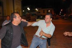 """Geraldo Bugallo """"AGREDINDO"""" o Jornalista e Repórter Fotográfico Cristóvão MARINHEIRO"""
