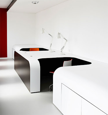 Modern Office Design With Black And White Colors