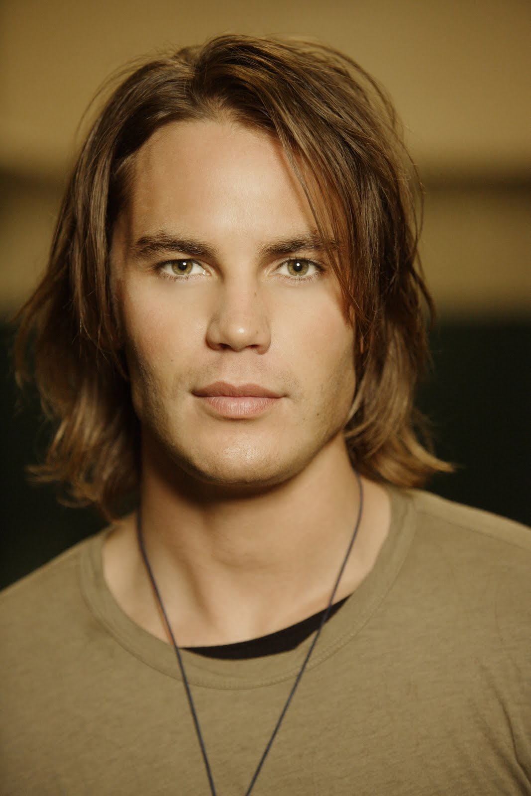 Taylor Kitsch - Picture