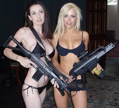 women with weapons war pictures