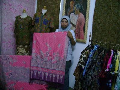 Industri  Kelir Batik  Miliki Ciri Khas Warna Terang 5373761677