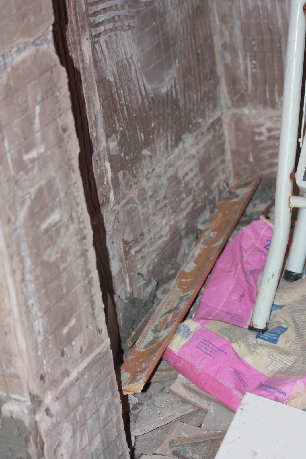 Nosso apê : E começa a reforma no banheiro  #923979 1067 1600