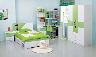 Modern-teenage-room-with-single-bed-and-cream-carpet
