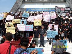 Demo KAMG di DPRD SUMUT
