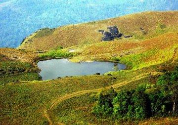 heart shaped lake chembra - Amazing Heart Shape Places