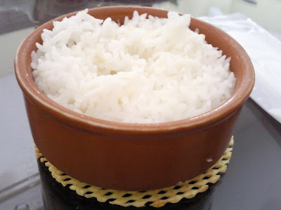 Reheated rice with steam
