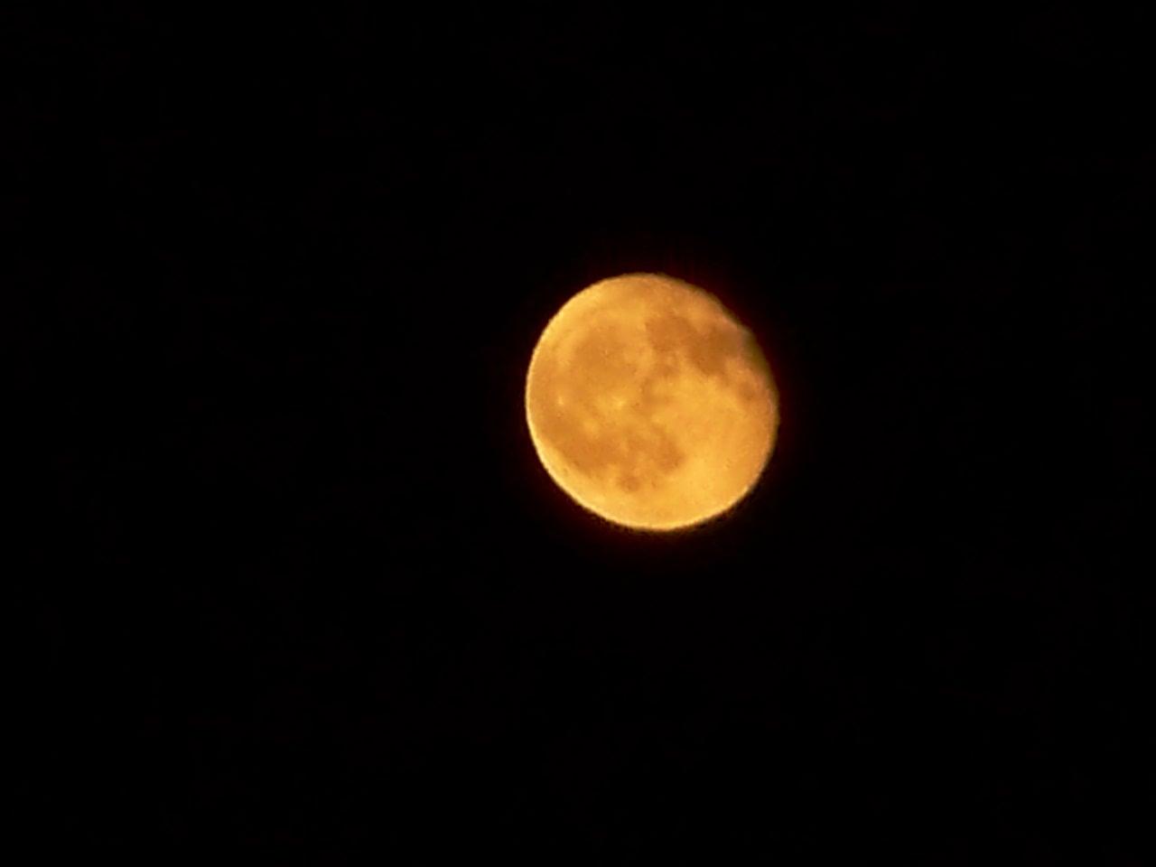[moon+005.jpg]