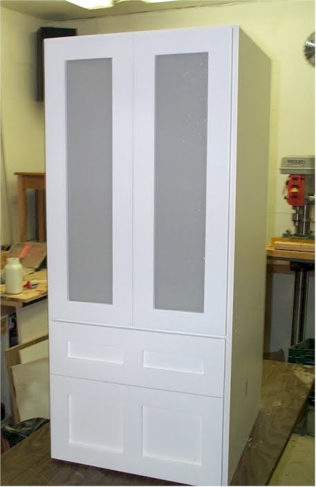 Pmb Contracting Custom Cabinet With Frosted Glass Doors