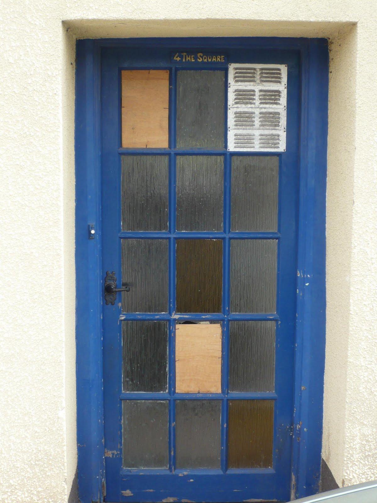 A square door & Alice found some doors
