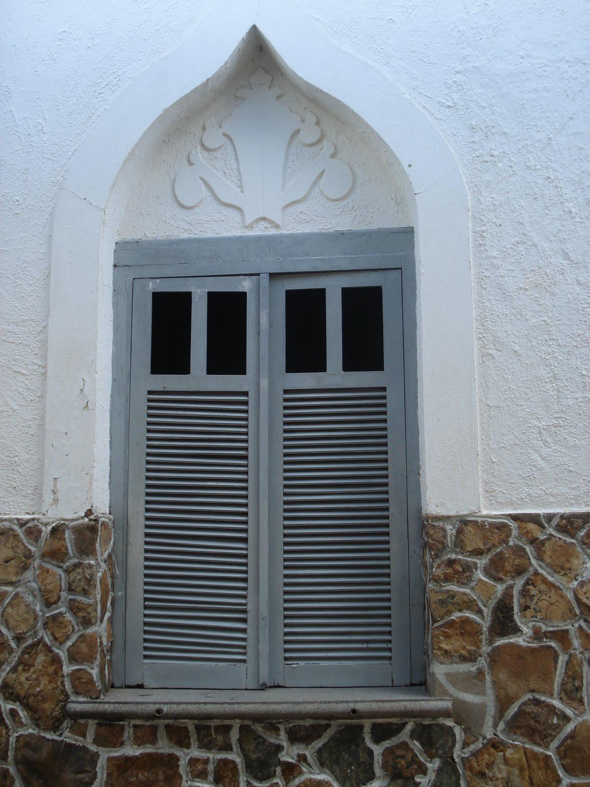 #476684 KAKI AFONSO Arquitetura: Janelas da arquitetura piauiense: Amarante. 474 Janelas Duplas Madeira