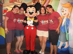 sisters with mickey!