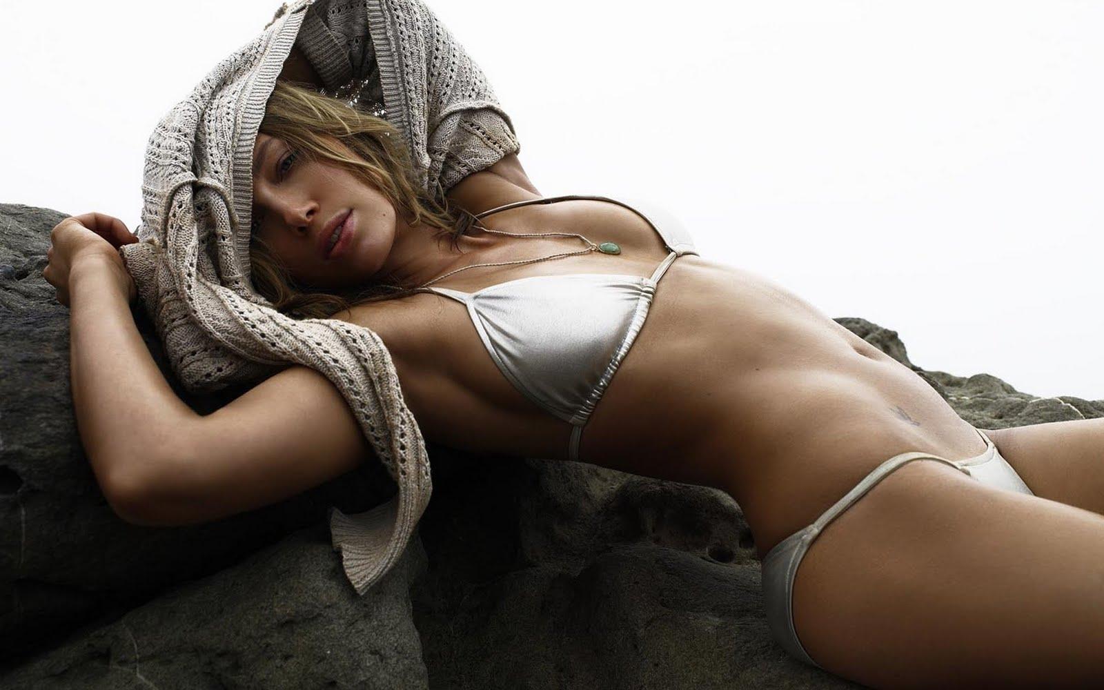 http://2.bp.blogspot.com/_IwRqx_H611g/TRqVsiePoEI/AAAAAAAAB0M/P8JYkUctp74/s1600/Jessica-Biel-Bikini-1920x1200.jpg