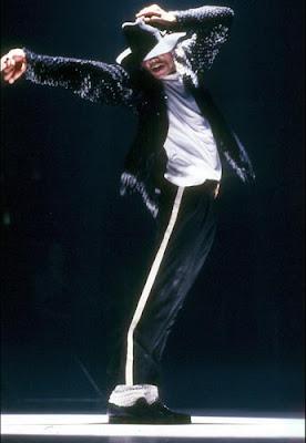http://2.bp.blogspot.com/_Iwif8t0IkAo/SpmIiMsSQII/AAAAAAAAAyU/QIJ8pY6MXyk/s400/Michael+Jackson+Billie+Jean+Letra+Traducida.jpg
