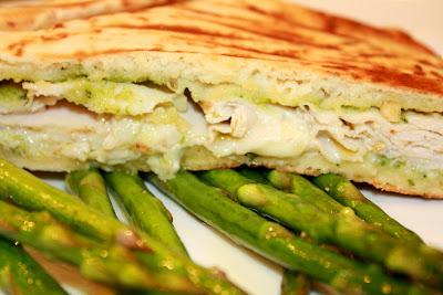 Studio LIME Design: {Recipes} Turkey, Brie & Pesto Flatbread Panini